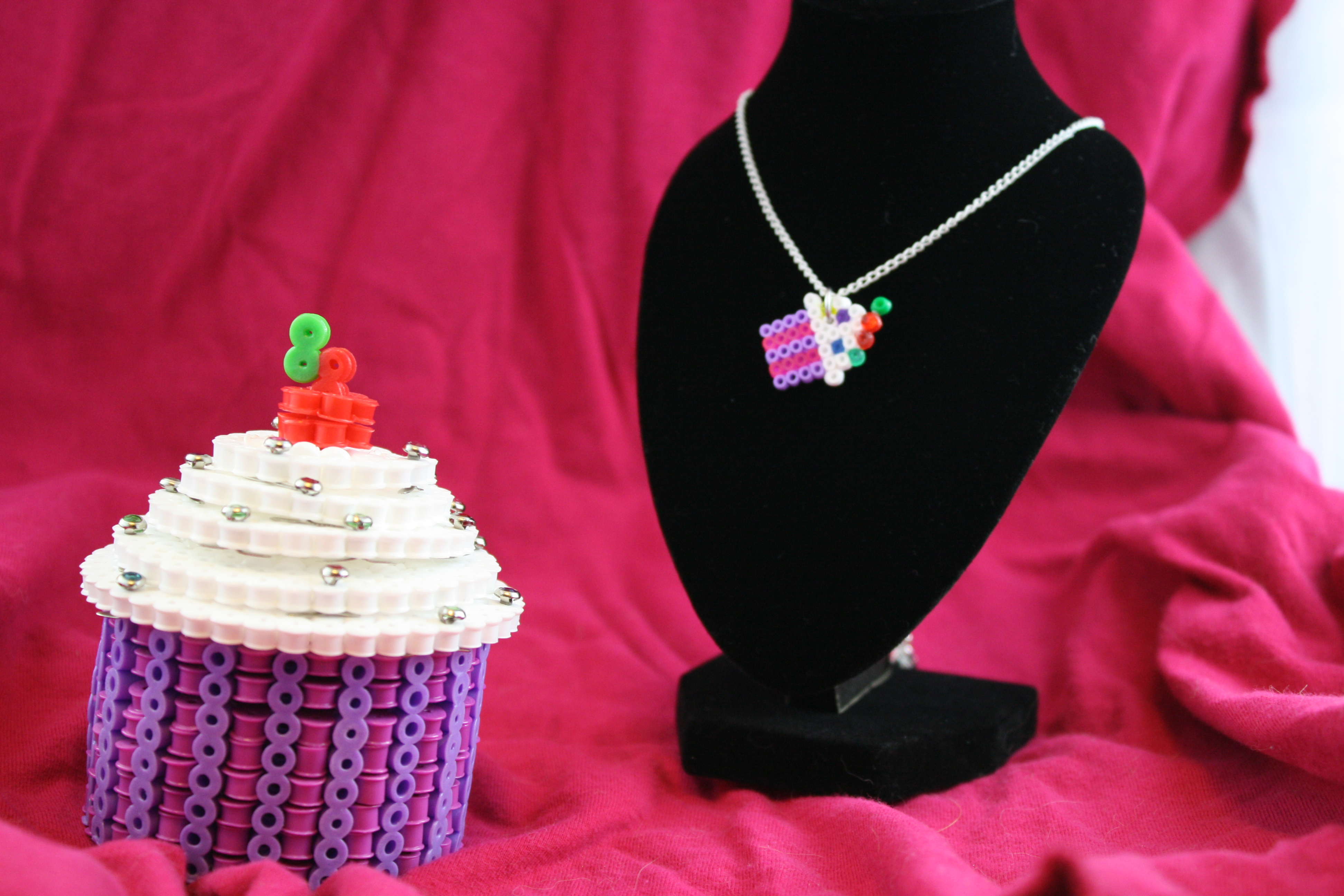 ashley godbold s blog this is me being arrogant page 13 cupcake box and necklace